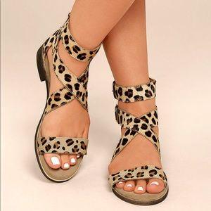 NIB Cognac Strappy Kitten Heel Tassel Chic Sandal